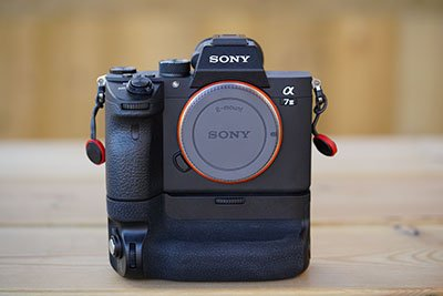 sony a7iii battery grip extension guide