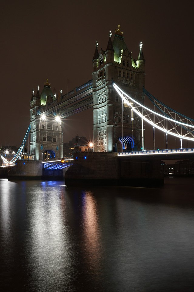 sony a6400 10-18 lens tower bridge
