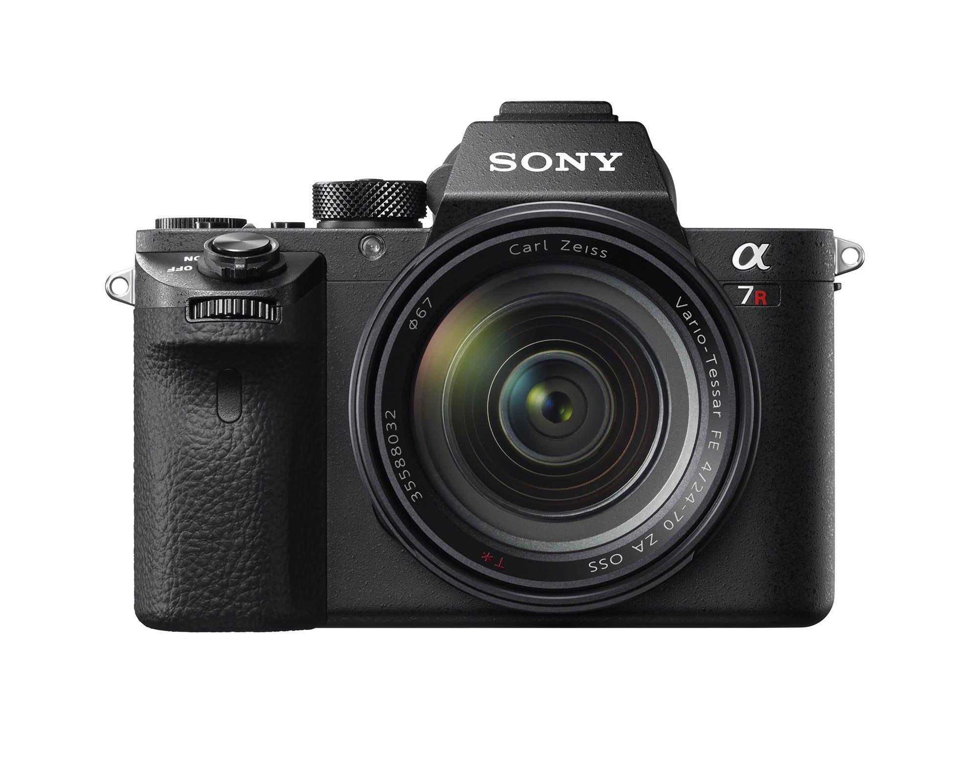 Sony a7RII Front FE2470Z