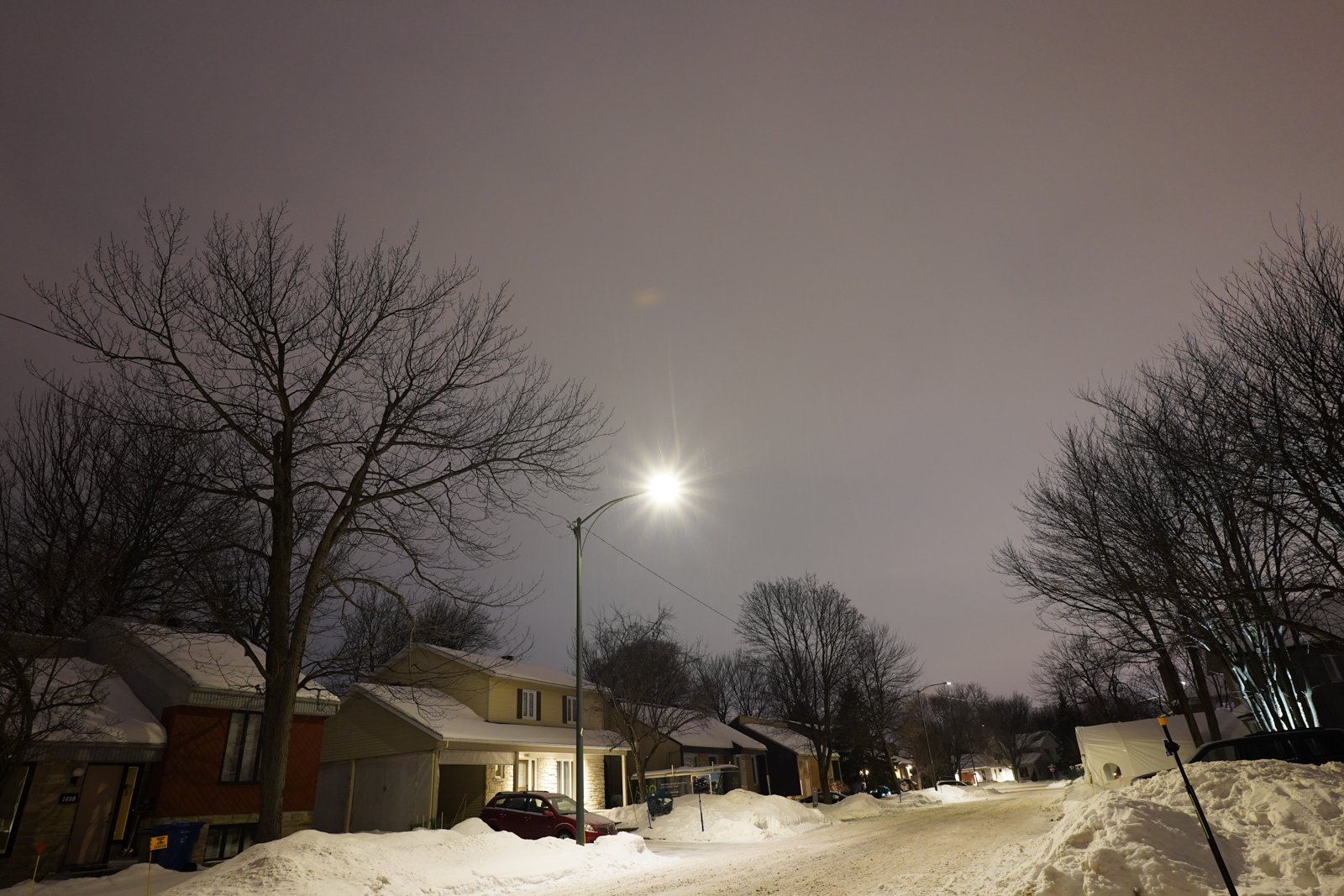 Tamron 20mm F2.8 Flare and Ghosting
